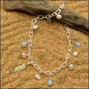 Milky White Anklet with Pearls and Teardrops